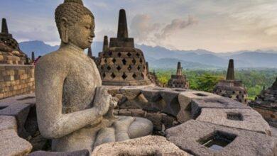 Photo of Best View Of Borobudur Sunrise: via Puthuk Setumbu and Manohara Hotel